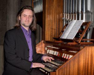 Julien Girard, organist